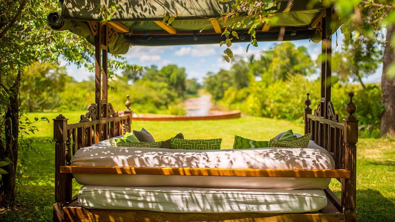 salas-camp-safari-living-day-bed