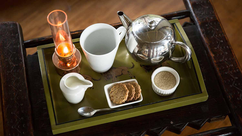 salas-camp-tea-tray