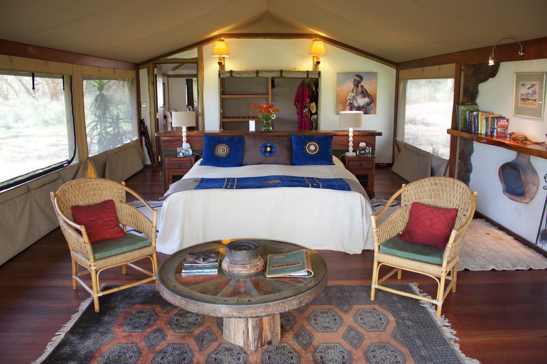 sirikoi-lodge-tent-lounge