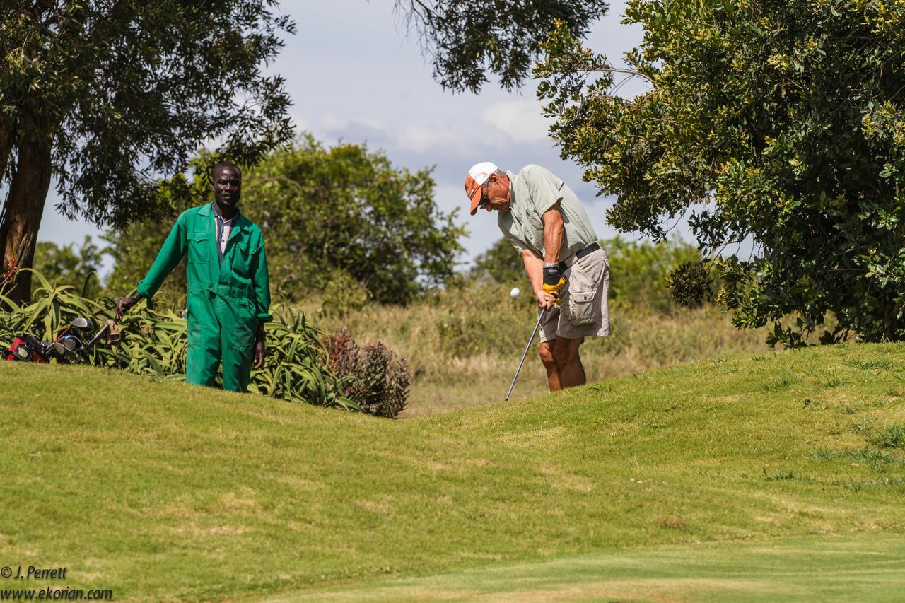 ekorian_mugie_camp_golf