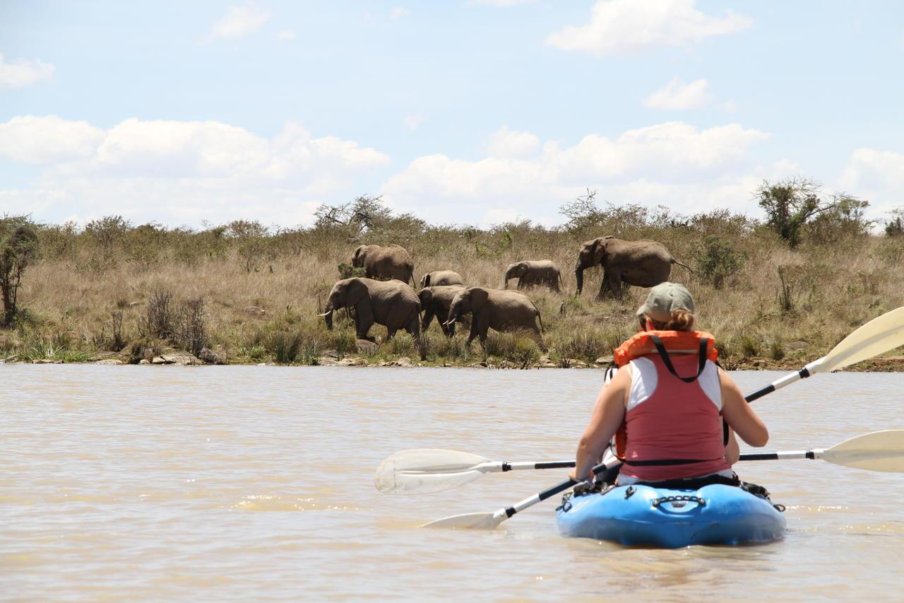 ekorian_mugie_camp_kayaking