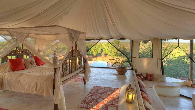 sasaab-camp-luxury-suite